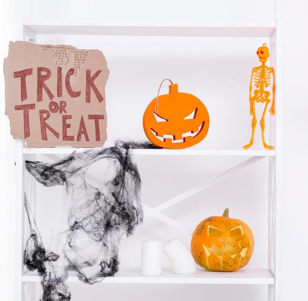 Griezelige halloween-partijelementen Gratis Foto