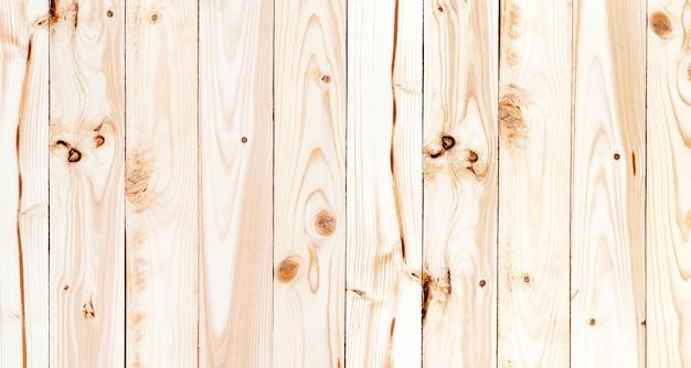 Groen geruit tafelkleed op houten tafel, bovenaanzicht Premium Foto
