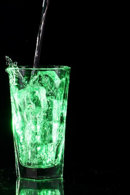 Groen zuur cocktail Gratis Foto