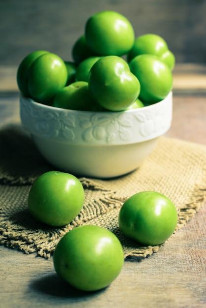Groene kersenpruim Premium Foto