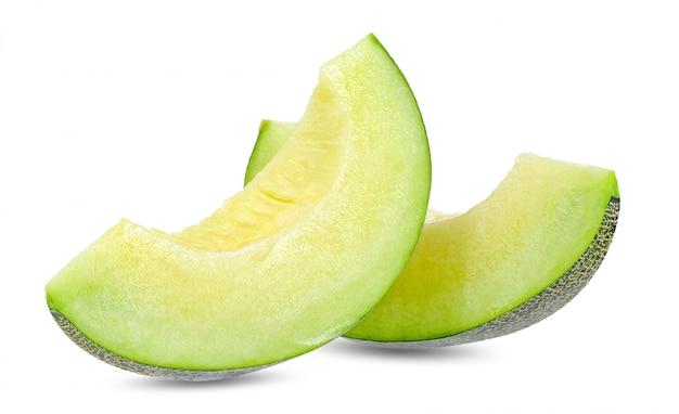 Groene meloen die op witte het knippen weg wordt geïsoleerd Premium Foto