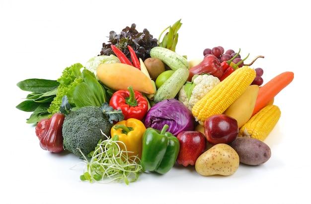 Groenten en fruit op een witte ondergrond Premium Foto