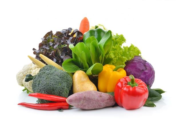 Groenten en fruit op wit Premium Foto