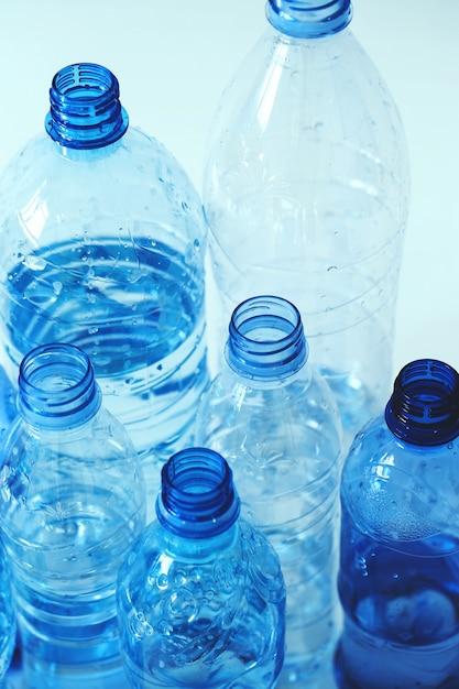 Groep van plastic flessen Gratis Foto