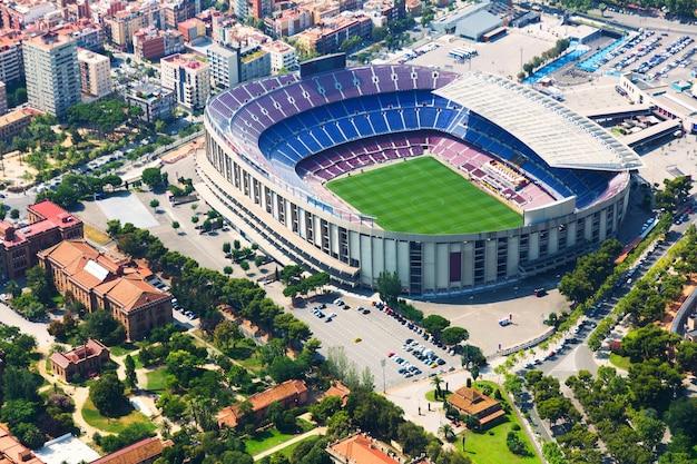 Grootste stadion van barcelona vanaf een helikopter. catalonië Gratis Foto