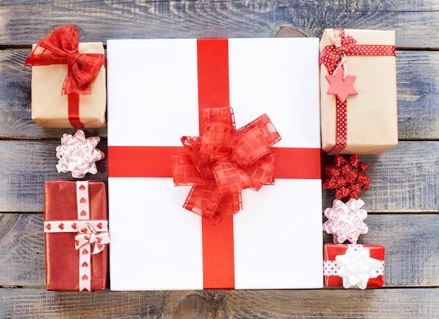 Grote en kleine geschenken Gratis Foto