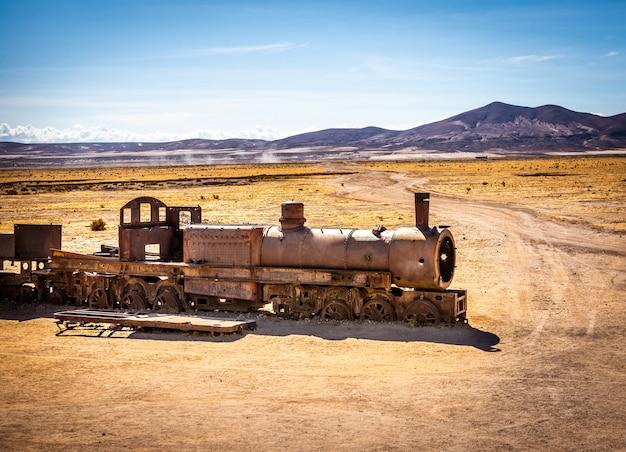 Grote trein kerkhof, uyuni, bolivia Premium Foto