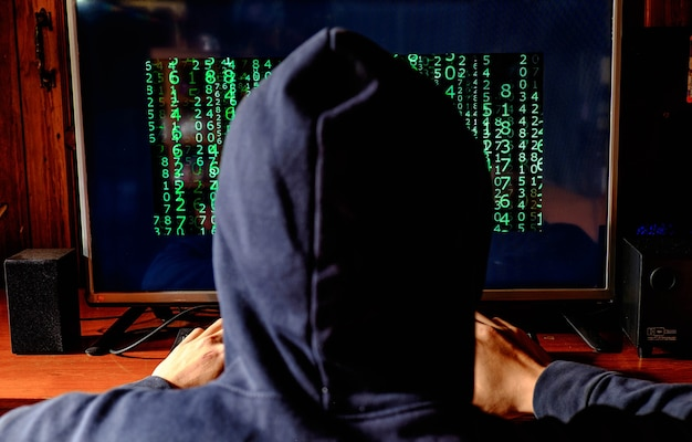 Hackers beschadigen computersystemen Premium Foto