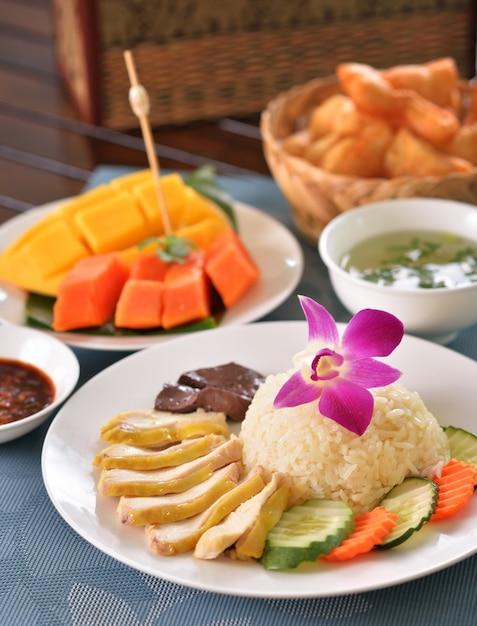 Hainanese kippenrijst Premium Foto