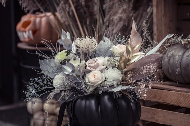 Halloween, decorelementen en attributen van de vakantie. Gratis Foto