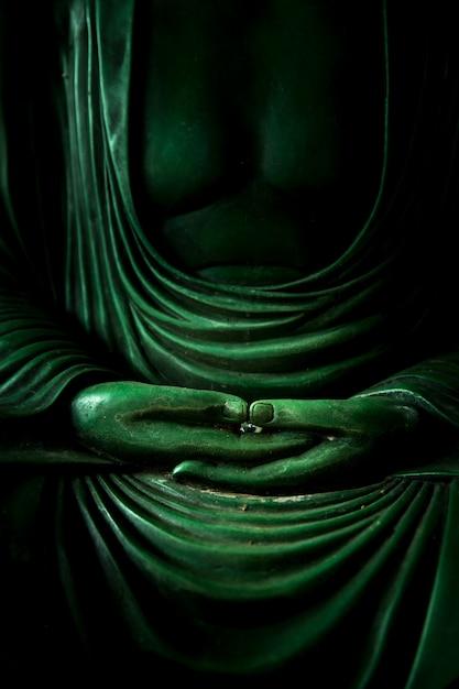 Hand van de meditatieteken van boedha van vreedzaam van aziatische boeddhismegodsdienst zen en tao. Premium Foto