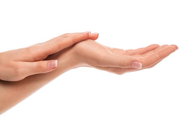 Handen met french manicure Premium Foto