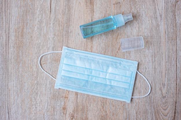 Handspray en chirurgisch masker wassen Premium Foto