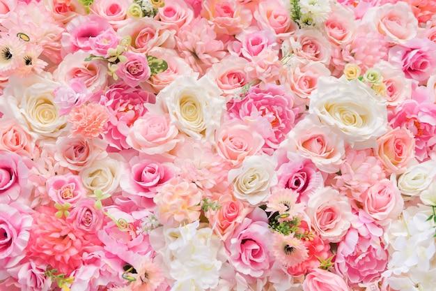 Happy valentine's day achtergrond. mooie rode rozen Premium Foto