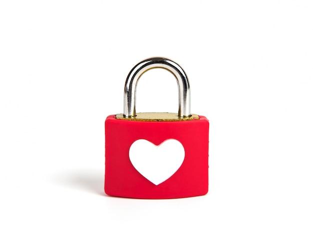 Hart slot en sleutel op een witte achtergrond Gratis Foto