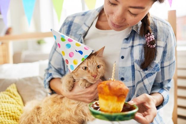 Hartelijk gefeliciteerd met cat Premium Foto