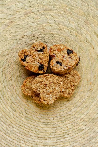 Hartvormige ontbijtgranen bovenaanzicht Gratis Foto