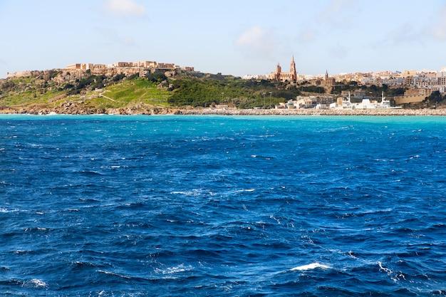 Haven van mgarr op het kleine eiland gozo, malta. Premium Foto