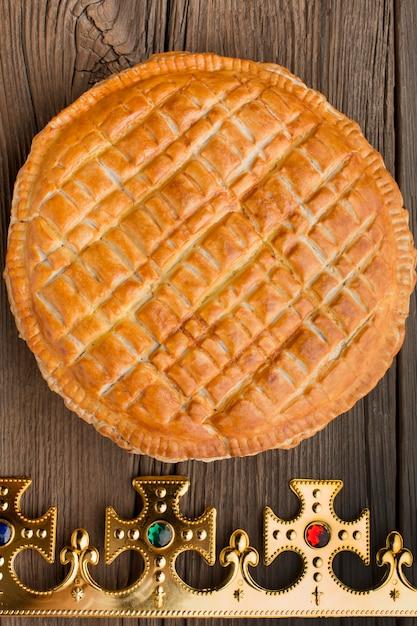 Heerlijk epiphany taart dessert plat leggen Premium Foto