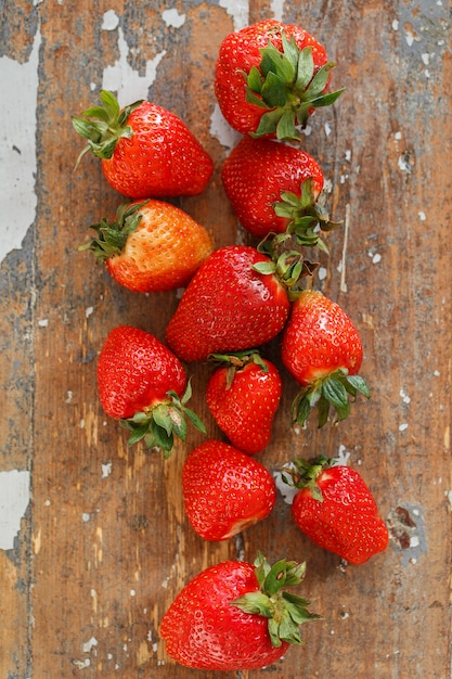 Heerlijke aardbeien op de tafel Gratis Foto