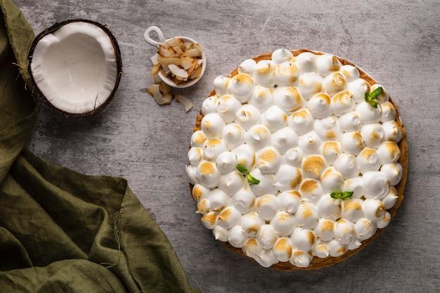 Heerlijke cake met kokos bovenaanzicht Gratis Foto