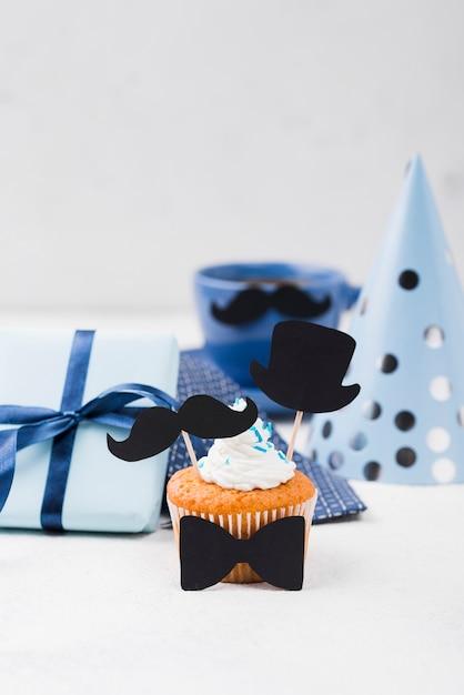 Heerlijke cupcakes voor vaderdag en feestmuts Gratis Foto