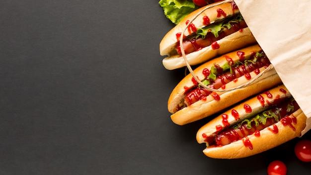 Heerlijke hotdogs in plastic zak Gratis Foto