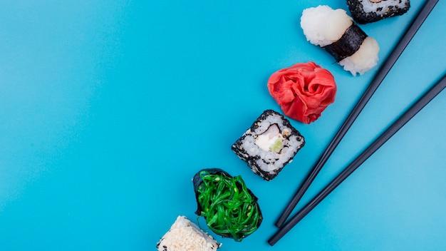 Heerlijke sushi rolt met kopie-ruimte Gratis Foto