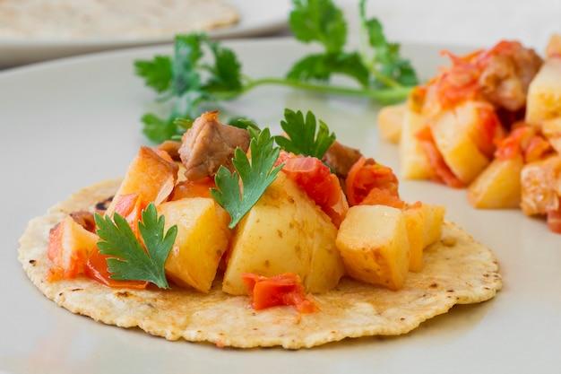 Heerlijke taco's met vlees en aardappelen Gratis Foto