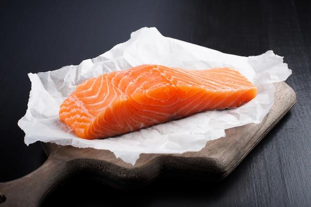 Heerlijke zalmfilet, rijk aan omega-3 olie Premium Foto