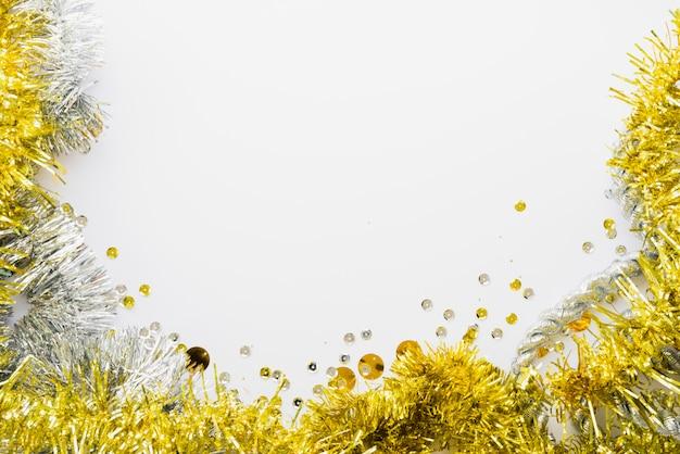 Helder klatergoud dichtbij confettien Gratis Foto