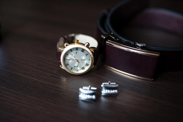 Herenhorloges en manchetknopen Premium Foto