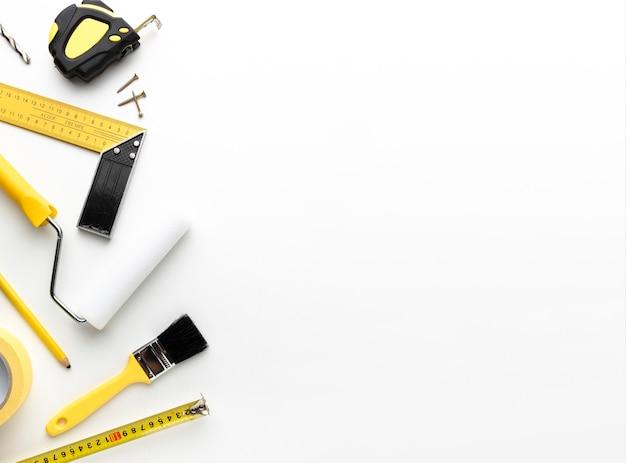 Herstel hulpmiddelen en borstels met exemplaarruimte Gratis Foto