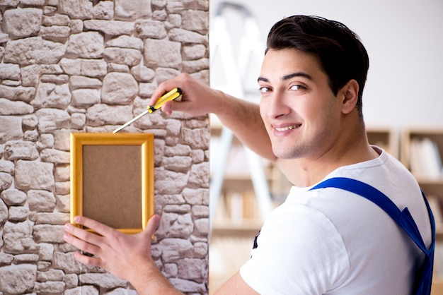 Hersteller omlijsting op muur te zetten Premium Foto
