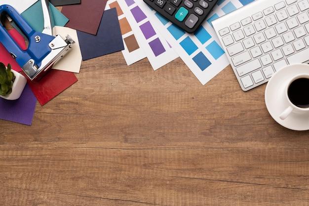 Het assortiment van grafisch ontwerperelementen met exemplaarruimte Premium Foto