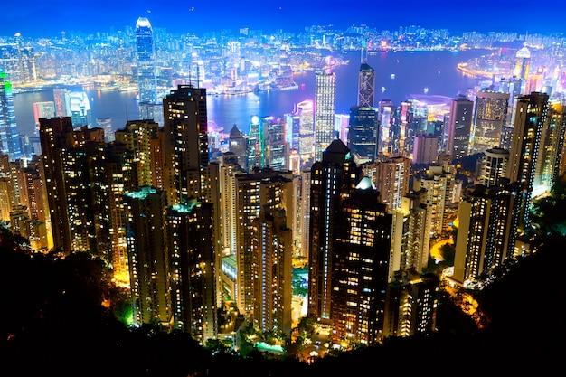 Het beroemdste uitzicht van hong kong bij schemeringzonsondergang. Premium Foto