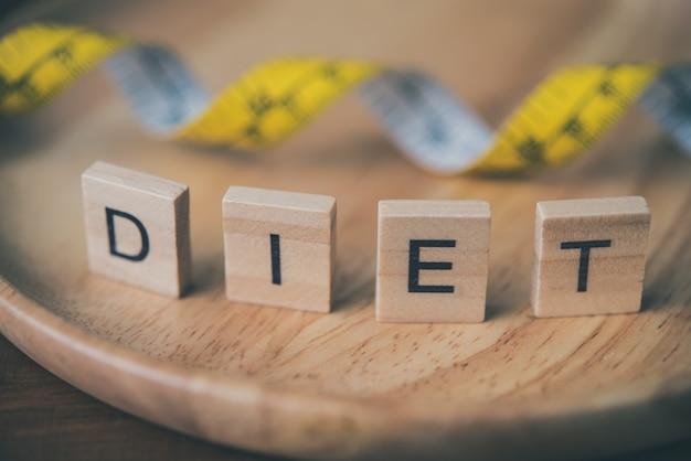 Het concept dieet voor gewichtsverlies en woord Premium Foto