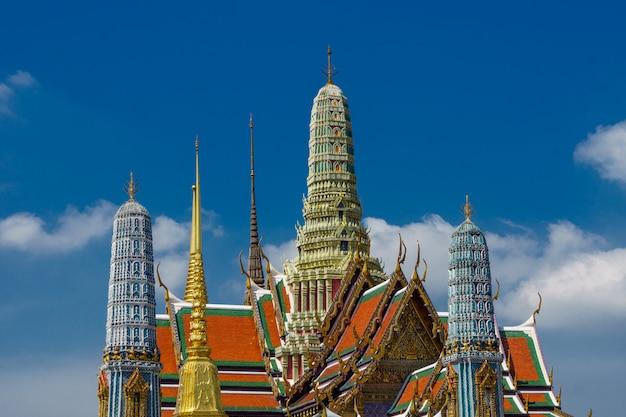 Het grote paleis bekijkt in openlucht in bangkok, thailand. Gratis Foto