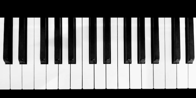 Het hoogste beeld van het toetsenbord van de piano, sluit omhoog Premium Foto