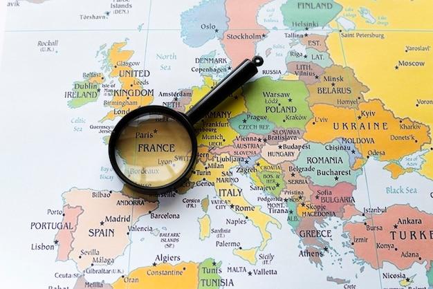 Het land van frankrijk op europese kaart Gratis Foto
