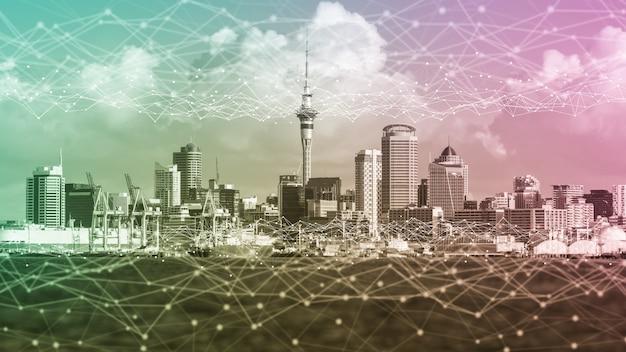 Het moderne creatieve communicatie- en internetnetwerk maakt verbinding in smart city. concept van 5g draadloze digitale verbinding en internet van toekomstige dingen. Premium Foto