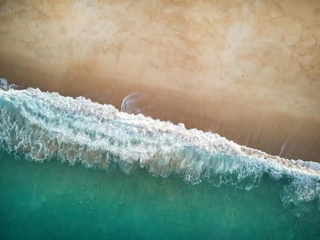 Het noordenstrand en oceaan in nazare portugal Gratis Foto