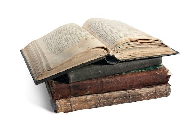 Het oude geopende boek is de christelijke psalter Gratis Foto