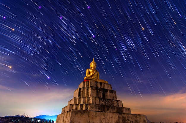 Het standbeeld meteor nakhon si thammarat thung yai thailand van boedha Premium Foto