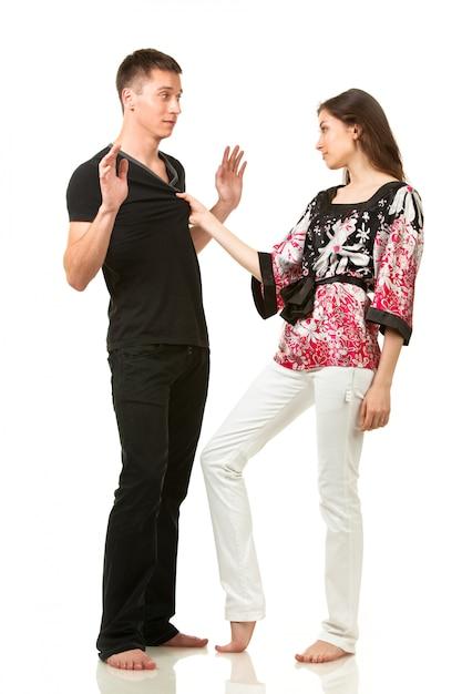 Het stellen van de man en van de vrouw in grappig stelt Premium Foto