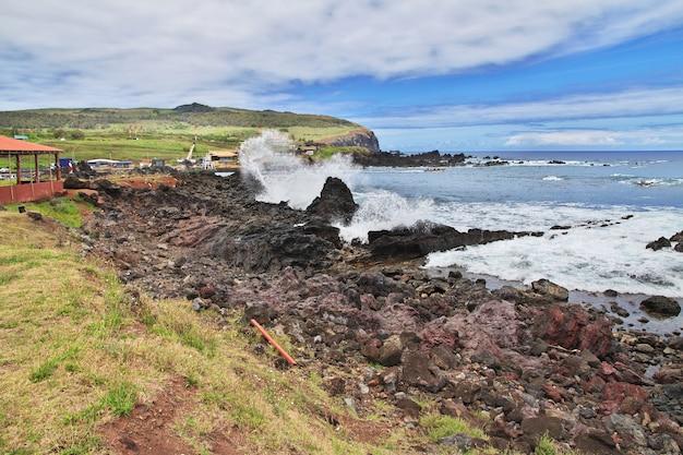 Het uitzicht op de stille oceaan in rapa nui paaseiland van chili Premium Foto