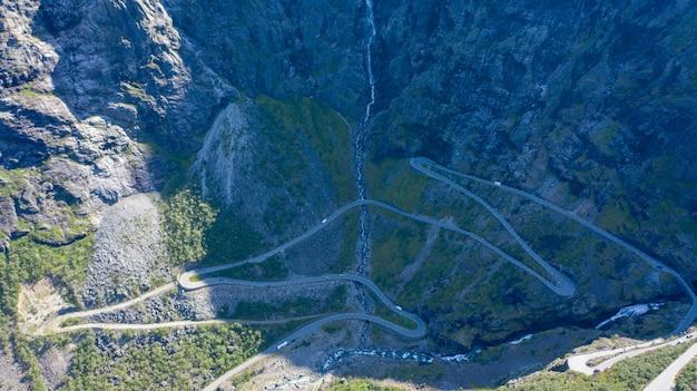 Het uitzicht vanaf de hoogte van de trollstigen, norwa Premium Foto