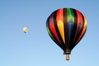 Hete lucht ballonnen kleuren Gratis Foto