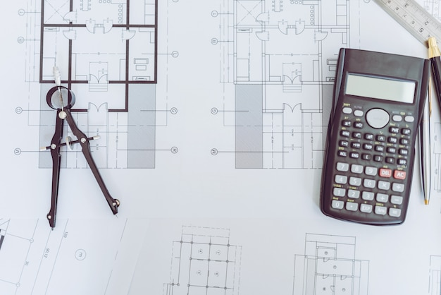 High angle view of engineer architect plan en object. Premium Foto