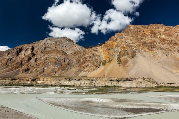 Himalaya landschap Premium Foto